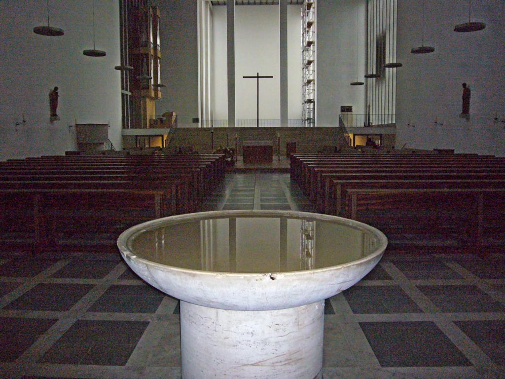 Becken inder Kirche XXXX zu Dülmne, vgl. hier