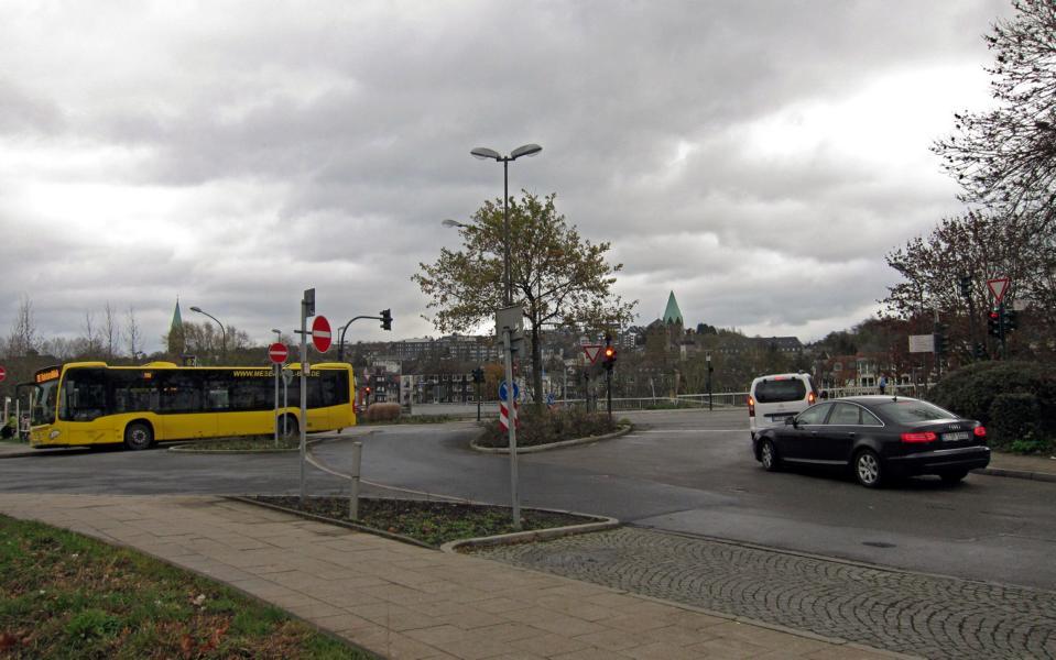 Essen-Werden von der S-Bahn-Station aus, im Hintergrund die Abteikirche St. Ludgerus (eigenes Bild)
